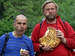 Tourists eating Gata