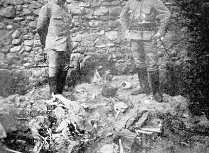 Sculls and bodies of Armenians, killed in Ali Zrna